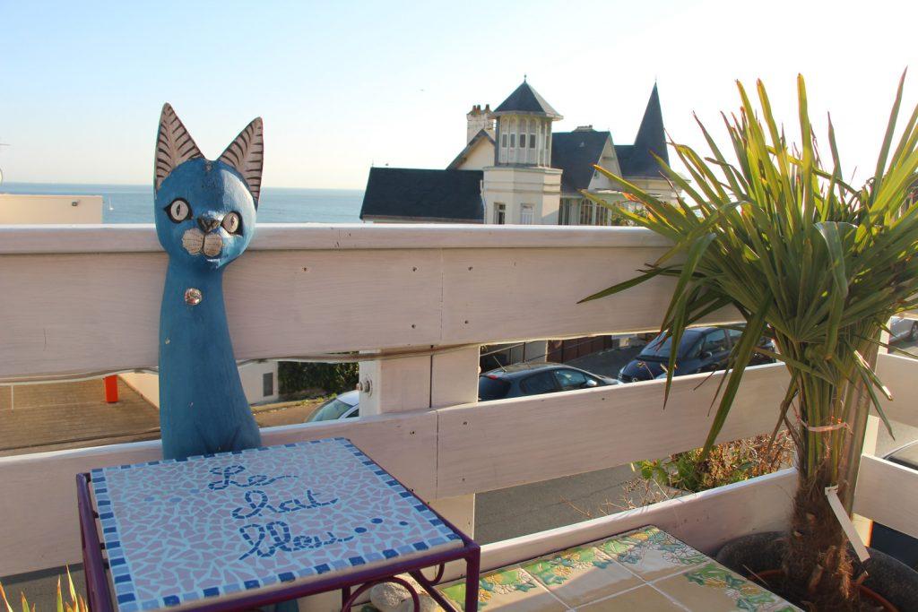 que faire au havre - les bonnes adresses et bons plans du havre - le chat bleu saint adresse restaurant