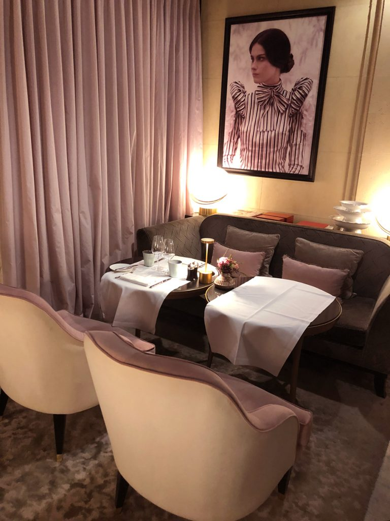staycation hotel spa narcisse blanc saint valentin